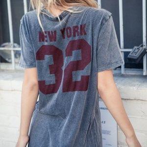 Brandy Melville Tops - Brandy Melville New York 32 Top